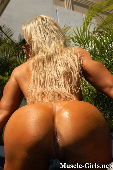 Hot Muscular Fitness Blonde With Big Muscles And Huge Ass