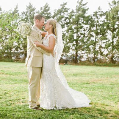 dress barn lubbock rustic barn wedding wedding real weddings gallery
