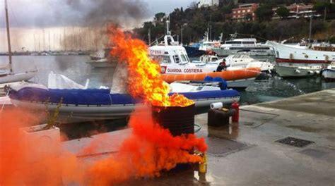ufficio circondariale marittimo porto santo stefano incendio al porto spettacolare esercitazione della
