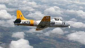 Are fighter pilots allowed to perform stunt maneuvers in ...