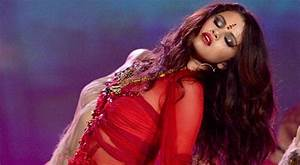 "MTV Movie Awards 2013: Selena Gomez Performs ""Come & Get ..."