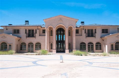 million mega mansion  calabasas california homes
