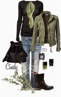 Casual Outfits with Boots for Women