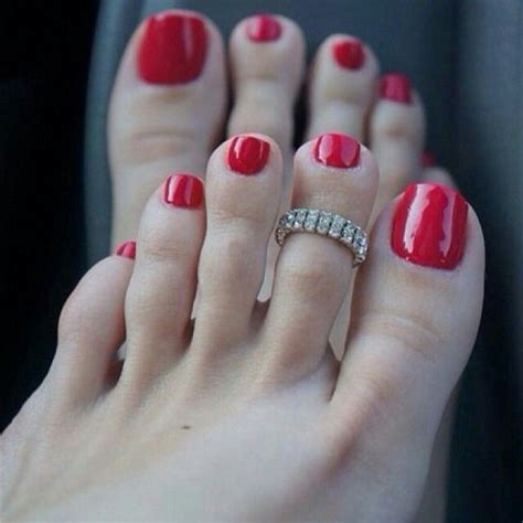 pin  raymond   toe ring asc painted toes painted