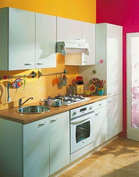 cuisine bleue cuisine jaune et photo 10 25 une cuisine pleine