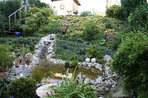 Japanischer Garten Mit Vielen Pflanzen