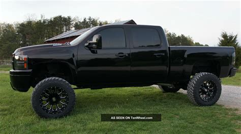 2011_chevrolet_silverado_2500_hd_duramax_lifted_blacked