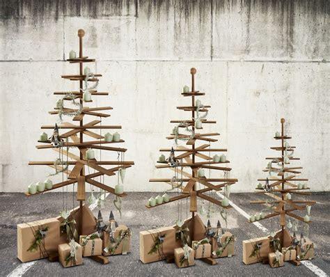 Skandinavischer DesignerWeihnachtsbaum aus Holz von