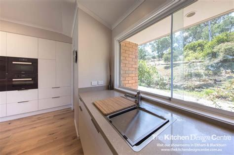 modern kitchens cabinets 26 best caesarstone 4230 shitake images on 4230