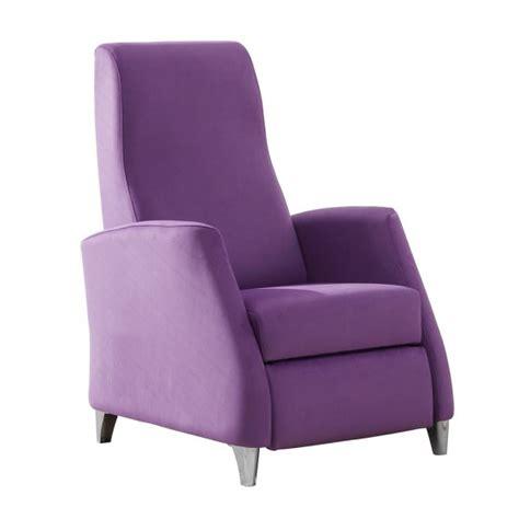 fauteuil beige pas cher fauteuil pas cher mais de haute qualit 233 la table basse
