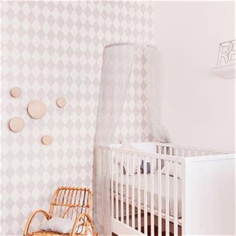 papier peint chambre b b fille chambre enfant classique douceur des tons meubles
