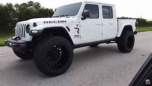 Someone Swapped A Hellcat Engine Into A Jeep Gladiator And
