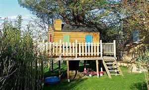 Grande Cabane Enfant : construction d 39 une cabane en bois sur pilotis avec terrasse ~ Melissatoandfro.com Idées de Décoration