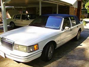 Thecaesar 1993 Lincoln Town Car Specs  Photos