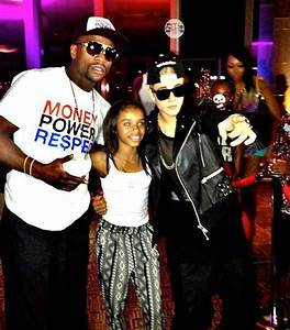Photos: Kevin Hart & Justin Bieber Attend Floyd Mayweather ...