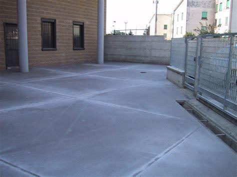 pavimenti in resina per esterni costi pavimenti in resina per esterni
