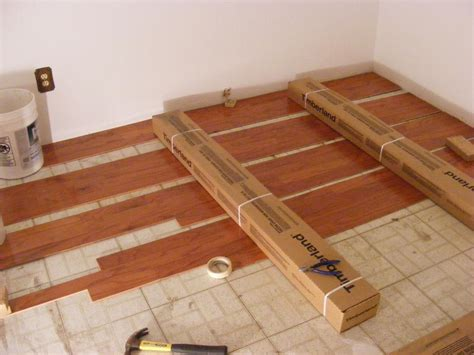 how to lay solid oak flooring pecos sww the do it yourself bedroom engineered prefinished red oak wood flooring installation
