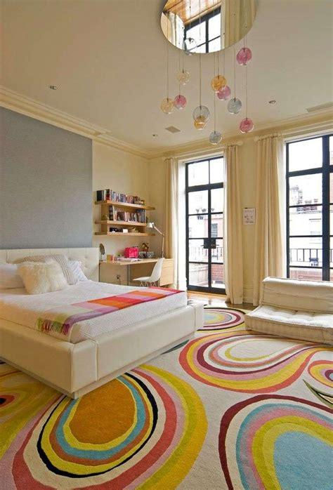 chambre couleurs chaudes peinture chambre fille 12 idées modernes et féminines