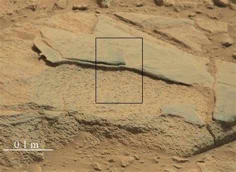 Target Rock 'Ithaca' in Gale Crater, Mars   NASA