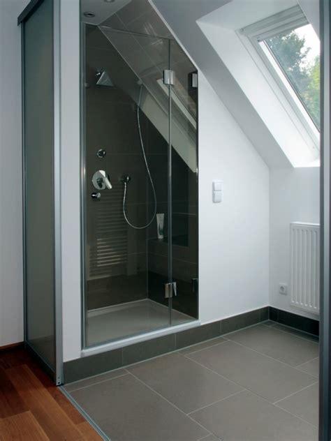 Badezimmer Mit Schräge Design