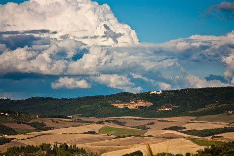wallpaper toscana   wallpaper italy meadows