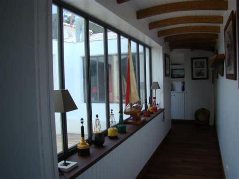 vitre separation cuisine menuiserie acier escaliers marquises magasins vitrines