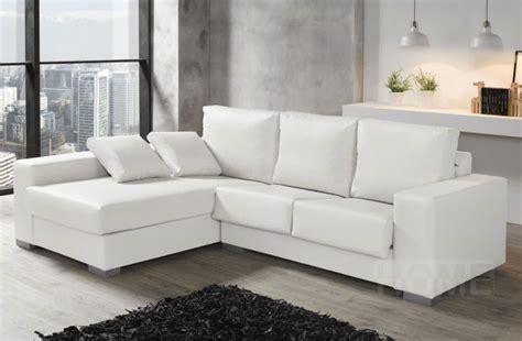 Un Sofá Blanco, La Luz Del Salón  Universo Muebles