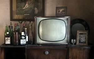Image antique Old Bottle Television