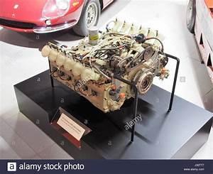 12 Cylinder Engine Stock Photos  U0026 12 Cylinder Engine Stock Images