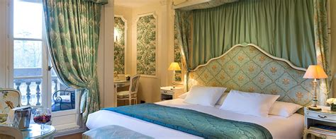 chambre luxe deluxe hotel room in chantilly chateau de montvillargenne