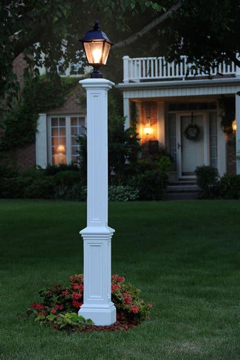 mayne signature lamp post    outdoor lamp