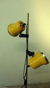 Stehlampe Gelb : design stil 1970 1979 lampen leuchten antiquit ten ~ Pilothousefishingboats.com Haus und Dekorationen