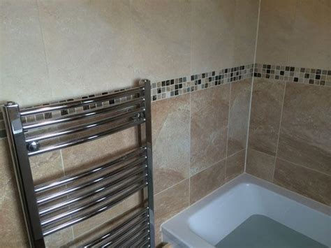 border tiles for bathrooms 12 best tub shower combos by uk bathroom guru images on pinterest tub shower combo bathroom