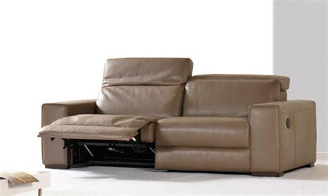 d tacher un canap en cuir comment acheter un canapé cuir taupe pas cher canapé