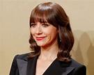 Rashida Jones Shuts Down Critics of the Golden Globes Red ...