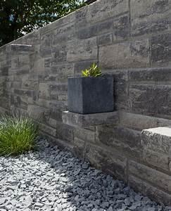 Beton Pflanzkübel Als Mauer : freistehende mauer im mediterranen stil die herausstehenden anders gesetzten steine im ruinen ~ Udekor.club Haus und Dekorationen