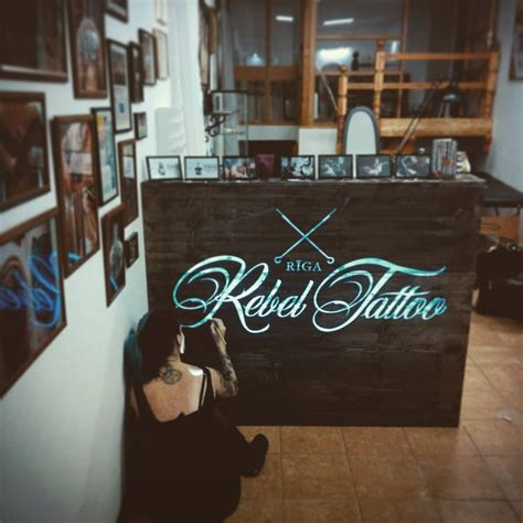 25+ Best Ideas About Tattoo Studio Interior On Pinterest