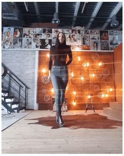 Tallest She Legs Yekaterina Gifs Longest Barnorama