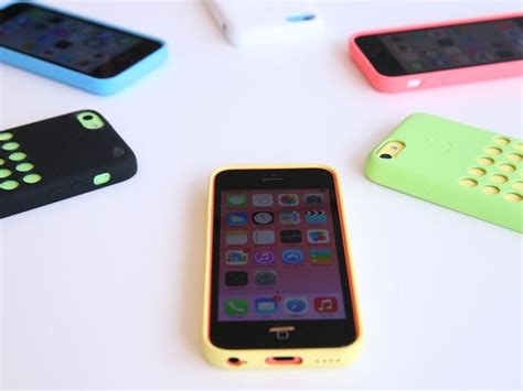 Apple unveils cheaper, colorful iPhone Sc, alongside high ...