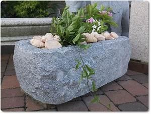 Wasserläufe Für Den Garten : steintrog aus grauen granit f r den garten ~ Michelbontemps.com Haus und Dekorationen