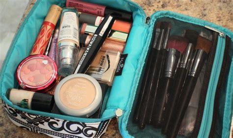 Какую косметику в каком виде и количестве можно провозить в ручной клади и багаже самолета.