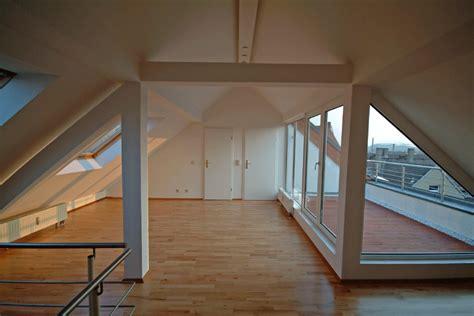 Dachwohnung Ausbauen Ideen by Loggia Dach Terasse Dachboden