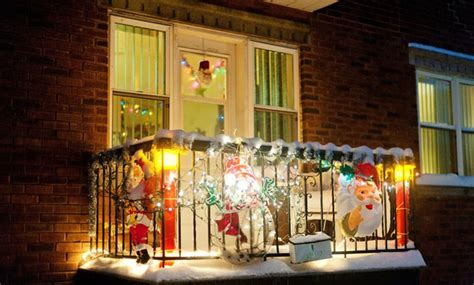 christmas decorating ideas   balcony outdoorthemecom