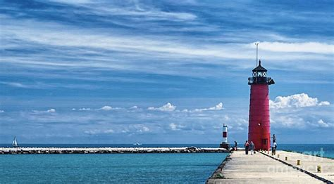 kenosha pier light 10 most beautiful lighthouses that stood the test of time