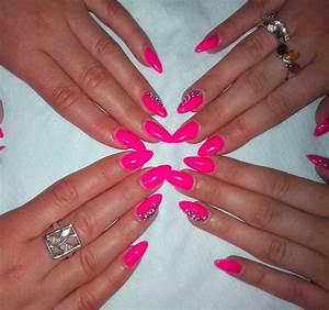 Neon pink nails #neon #pink | Nail Art | Pinterest