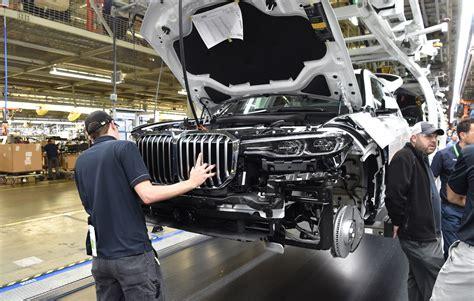 trumps aim  forge   auto tariffs  lead