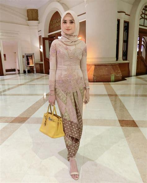 pin  wahyu fitri  gaya hijab kebaya kebaya muslim kebaya hijab