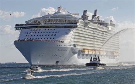 Biggest Boat Ever Designed by The Largest Passenger Ship Ever Constructed 14 Pics