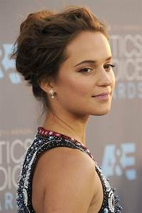 20 times Alicia Vikander's hair & makeup stole the show ...