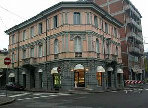 File:Scandiano old building.jpg